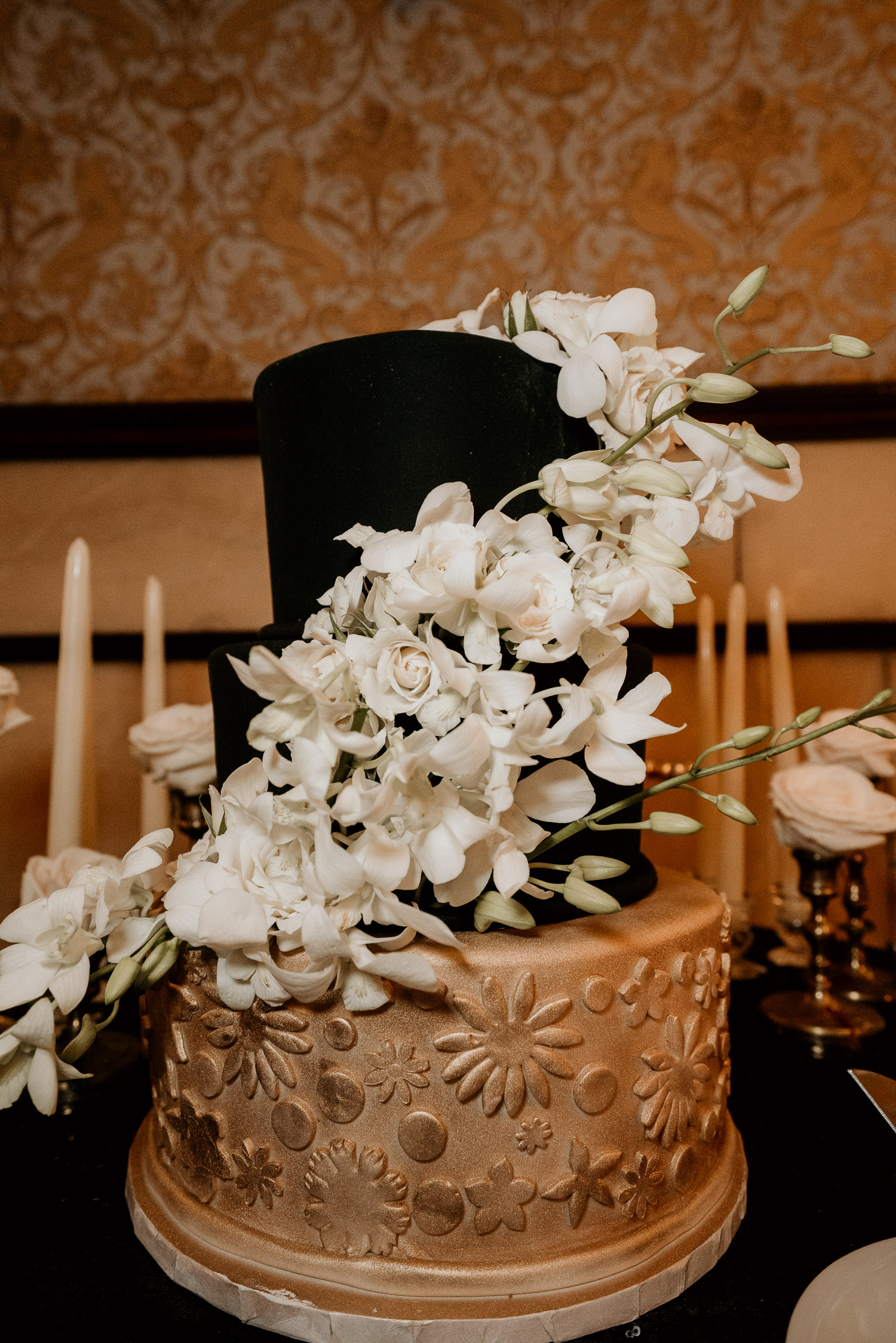 Colorado Wedding Photography, Intimate Wedding, Brown Palace Denver, 1920s wedding, black wedding cake