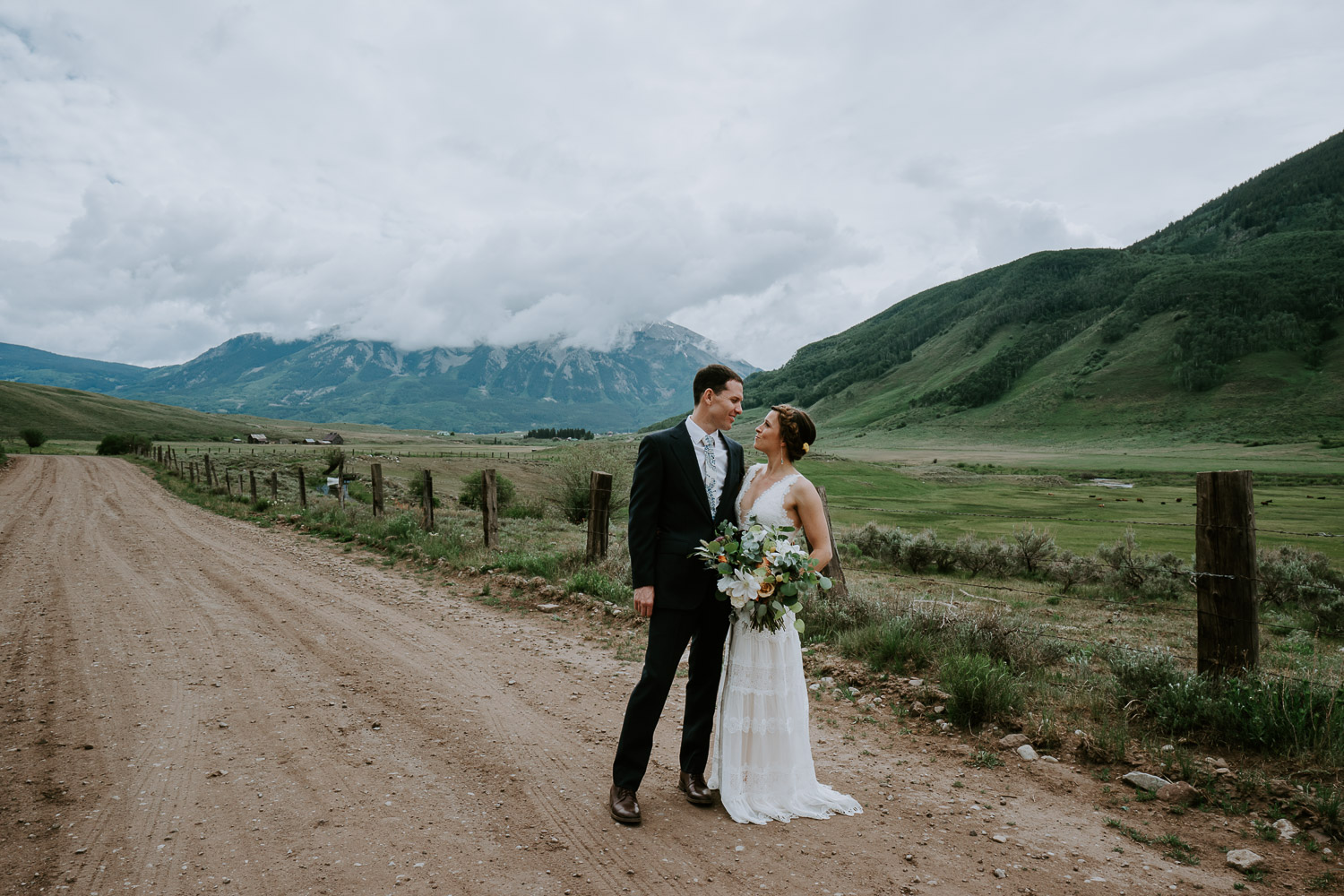 Laura_Alexe_Crested_Butte_Wedding_MegONeillPhotography__180616_73