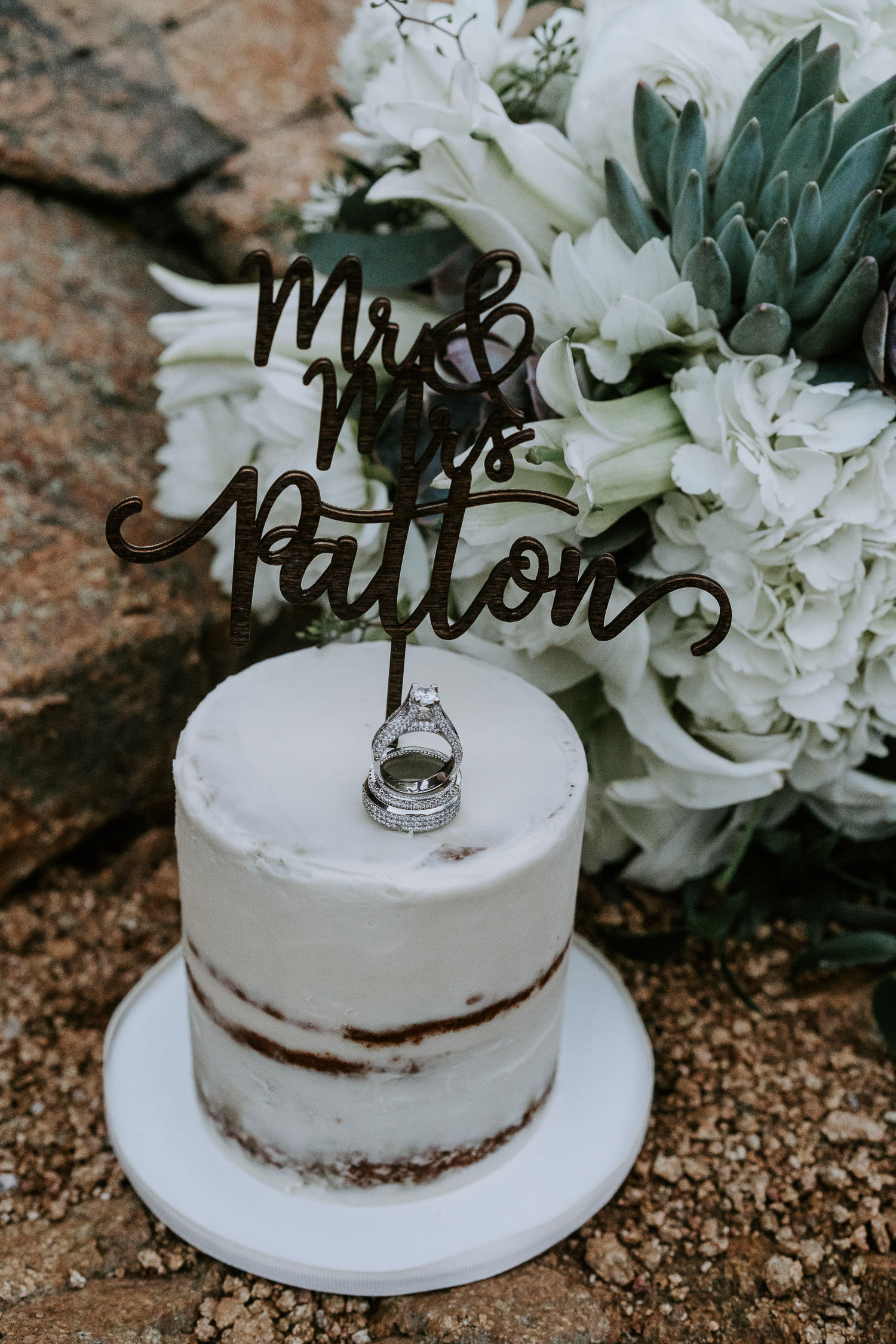 Rocky Mountain Elopement, Colorado Elopement Photographer, RMNP, Rocky Mountain National Park, wedding cake