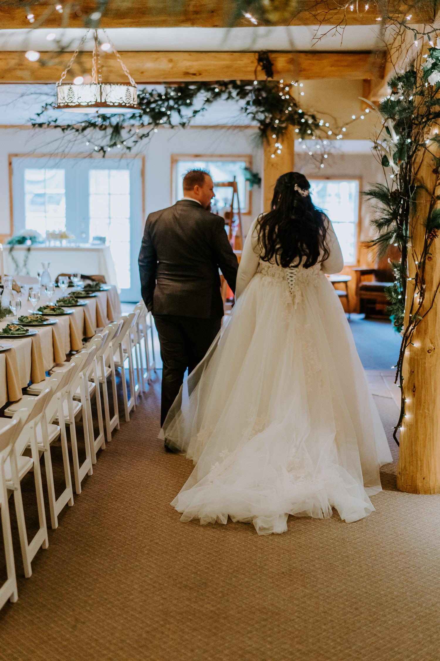 daven haven lodge, woodsy wedding ceremony details